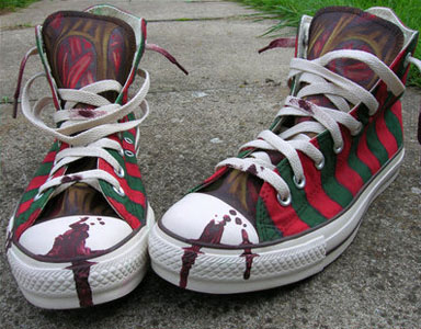 Inspired by the Nike shoes, Rozzi-Bunny customized some Converse Chuck