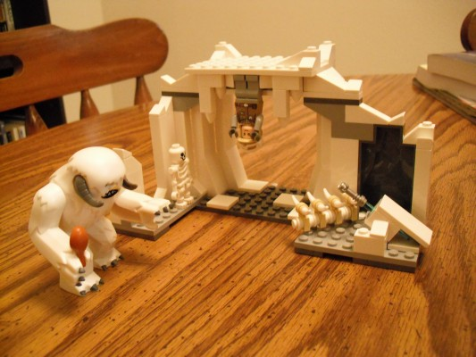 Toy Review: LEGO Star Wars Wampa Attack