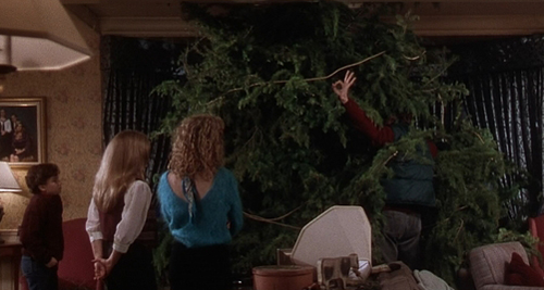 dad this tree wont fit in our backyard its not going in the yard russ its going in the living room - Christmas Vacation Tree