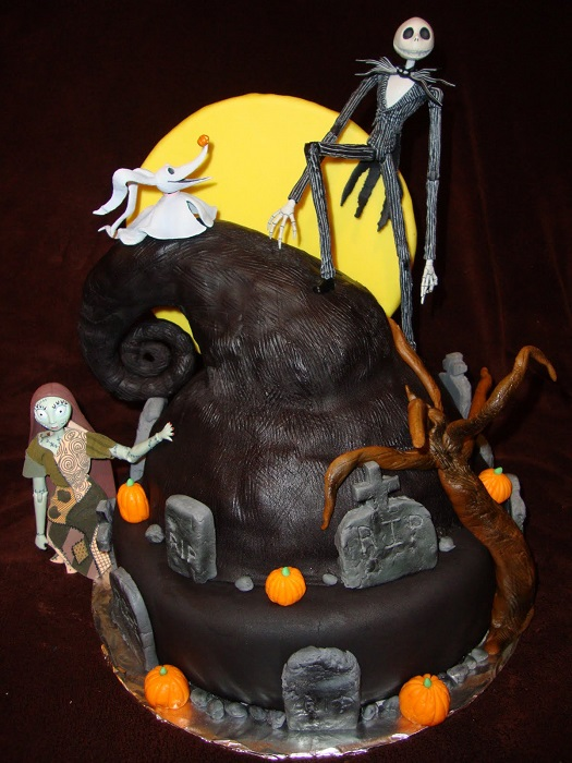 top 10 nightmare before christmas cakes 9 - Nightmare Before Christmas Gingerbread House