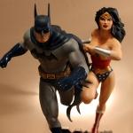 Justice League Build A Scene Statue Part 1: Batman and Wonder Woman