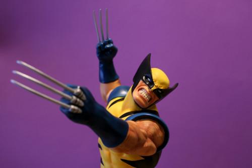 Bowen Wolverine Classic Action Statue 006