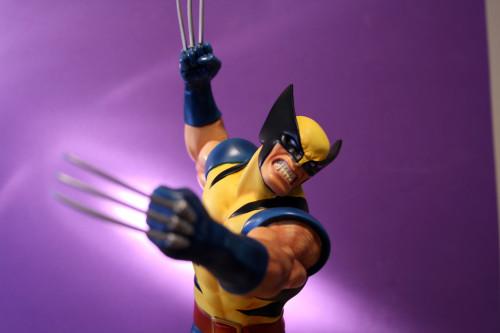 Bowen Wolverine Classic Action Statue 009