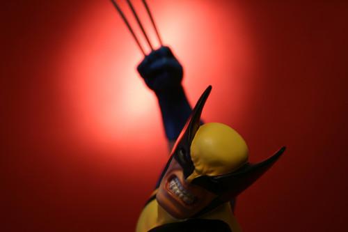 Bowen Wolverine Classic Action Statue 010
