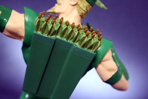 Heroes of DC Green Arrow Bust 008