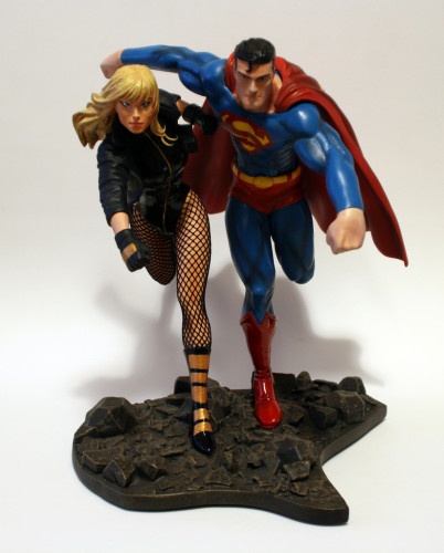 JLA Build A Scene Statue 2 Superman and Black Canary 001
