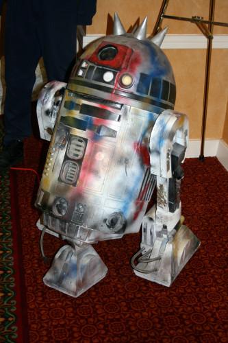 Punk R2-D2 001
