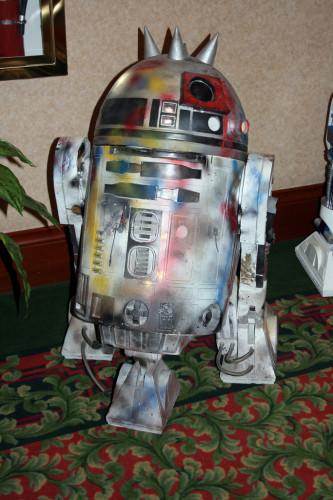 Punk R2-D2 002