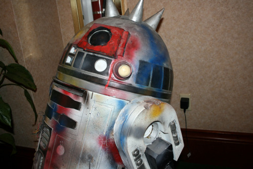 Punk R2-D2 003