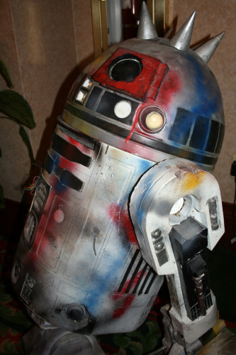 Punk R2-D2 004
