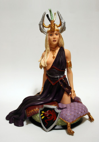 Song of Ice and Fire Daenerys Targaryen Bust 001