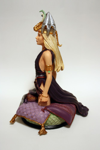 Song of Ice and Fire Daenerys Targaryen Bust 002