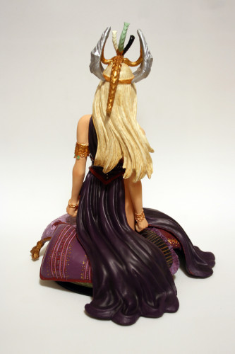 Song of Ice and Fire Daenerys Targaryen Bust 003