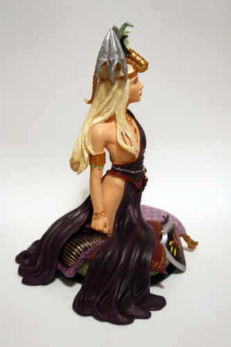 Song of Ice and Fire Daenerys Targaryen Bust 004