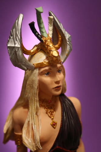 Song of Ice and Fire Daenerys Targaryen Bust 005