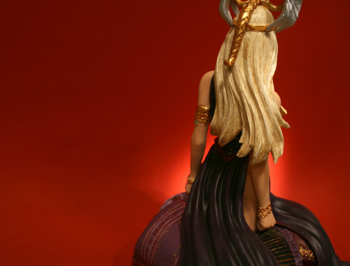 Song of Ice and Fire Daenerys Targaryen Bust 009