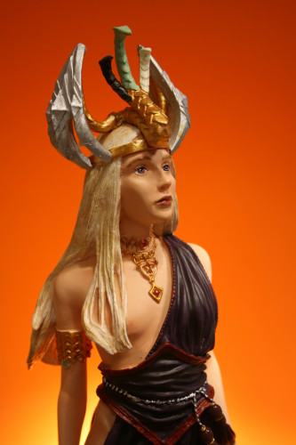 Song of Ice and Fire Daenerys Targaryen Bust 012