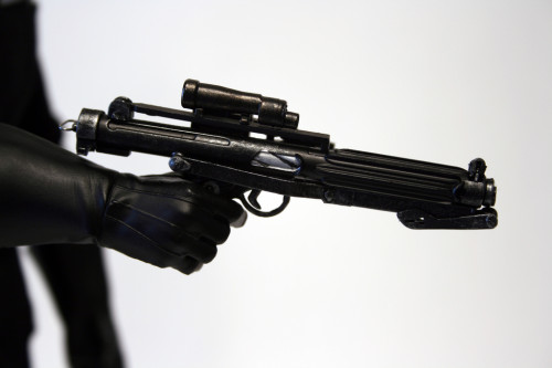 Star Wars 12 Inch Commander Praji - Gun Detail 002