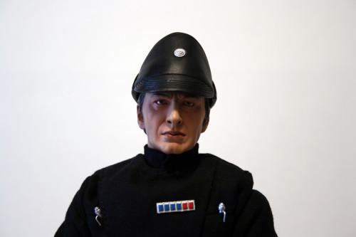 Star Wars 12 Inch Commander Praji - Plastic Hat Detail Front